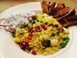 Couscous met geitenkaas en granaatappelpitjes