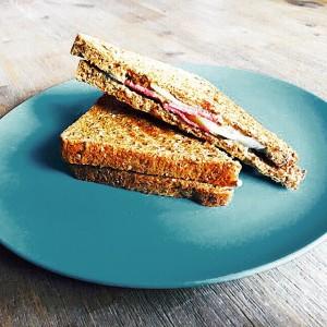 tosti gorgonzola met eendenborst