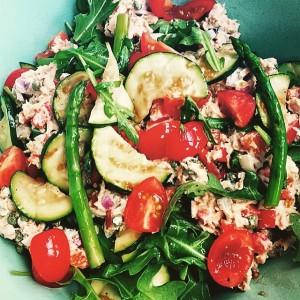 Tonijnsalade met courgette en asperges