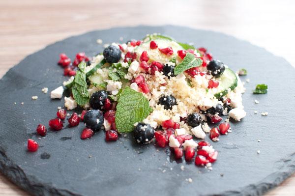 Salade met bosbessen en feta