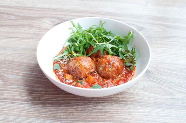 Kalfsgehaktballetjes in Italiaanse tomatensaus