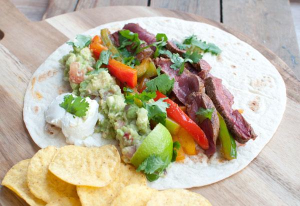 fajitas met biefstuk en guacamole