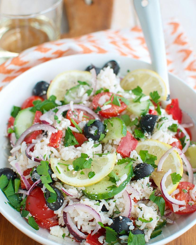 Griekse rijstsalade met feta