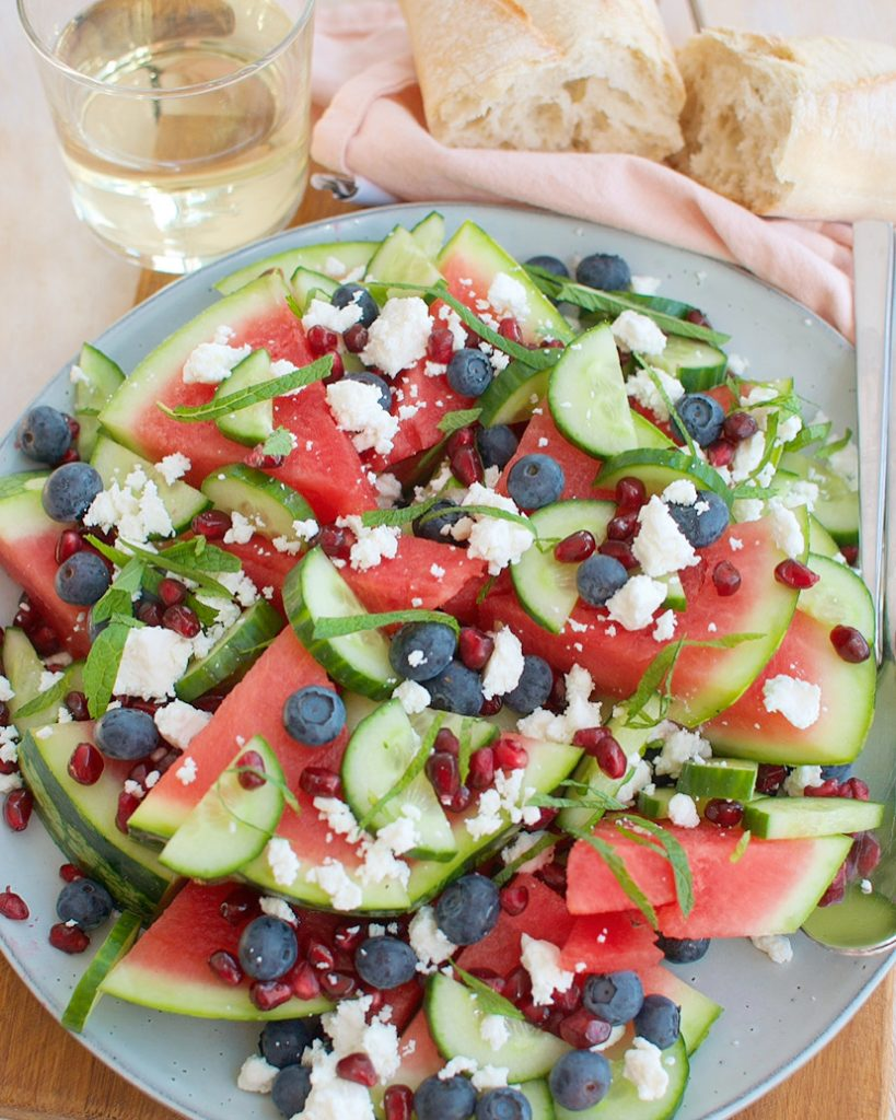 Salade met watermeloen en komkommer