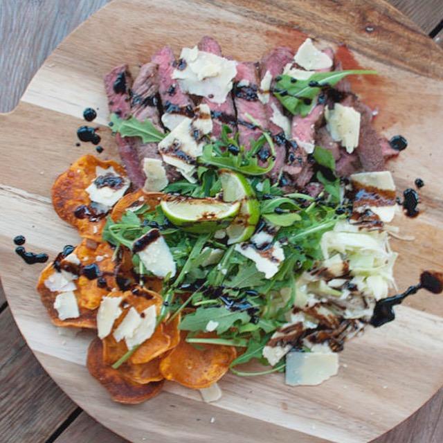 Zuid-Afrikaanse barbecueplate met ossenhaas