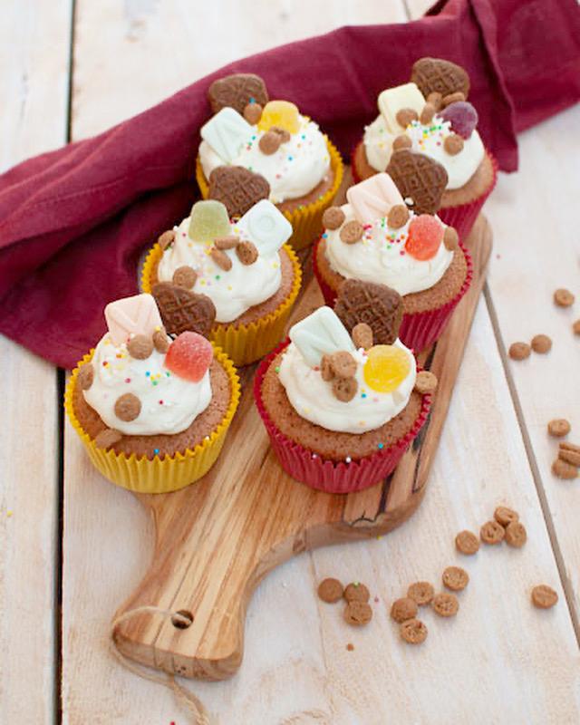 Speculaas cupcakes met roomkaastopping