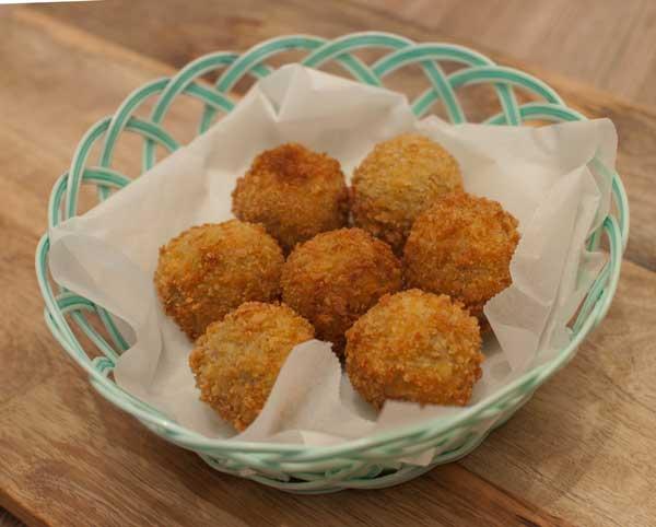 Bitterballen met draadjesvlees