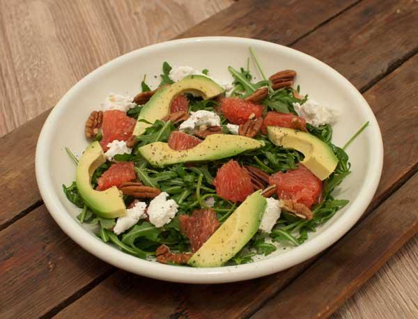 Salade met bloedsinaasappel en avocado