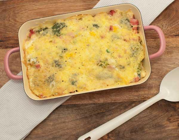 Koolhydraatvrije ovenschotel met broccoli en ham