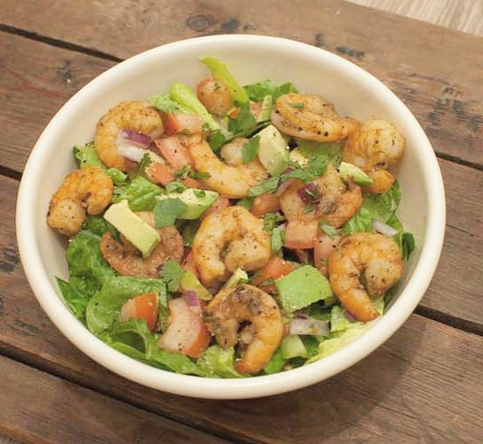 Tex mex salade met garnalen en avocado