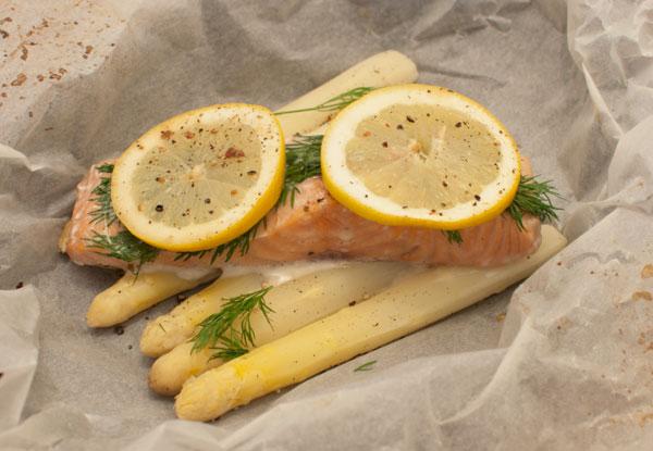 Aspergepakketjes met zalm en citroen
