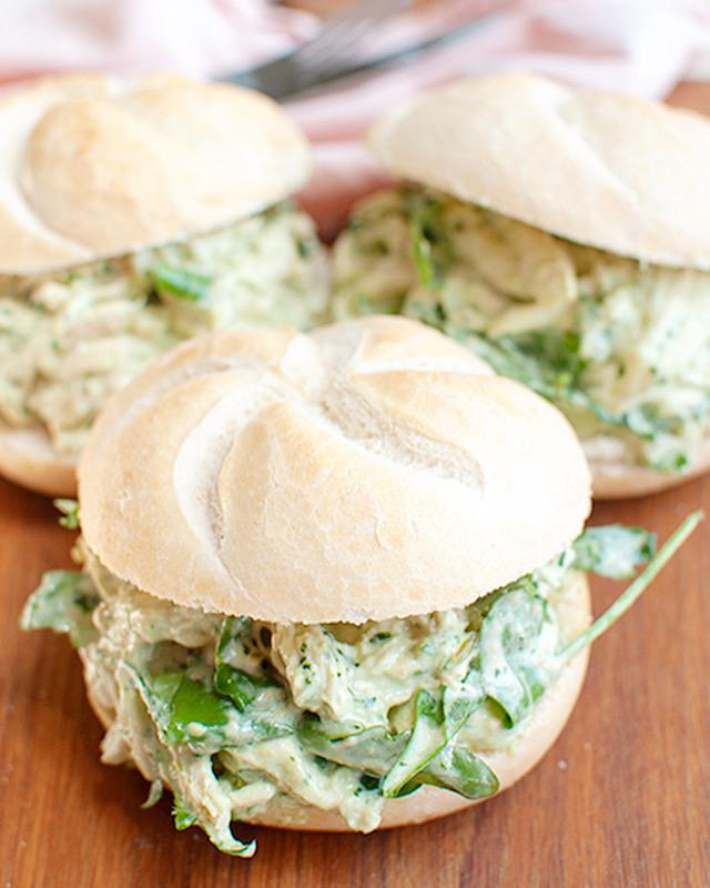 Kip pesto salade voor op brood