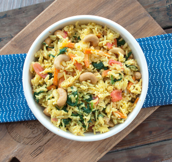Indiase rijst met spinazie en cashewnoten
