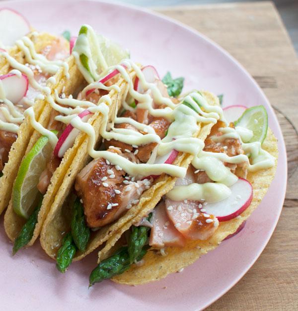 Aziatische taco's met zalm en wasabimayonaise