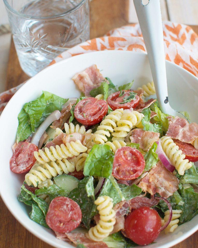BLT pastasalade met ranchdressing