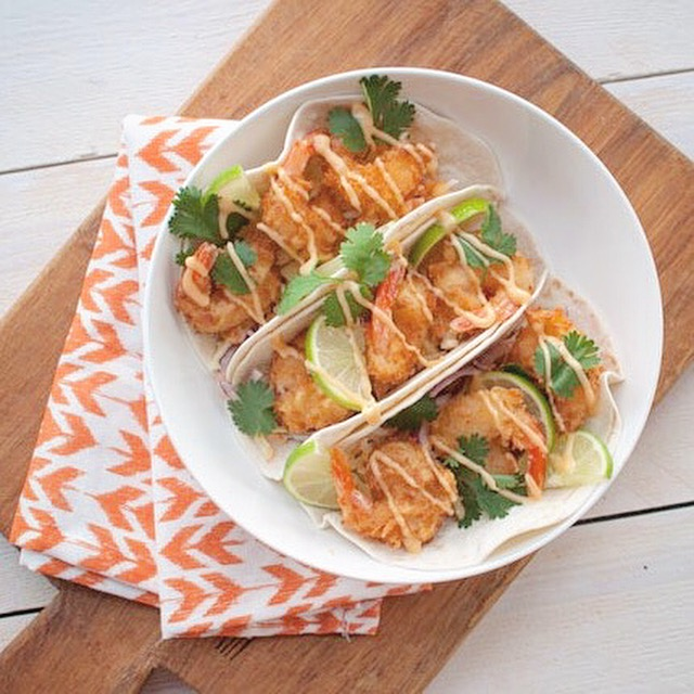 Taco's met krokante garnalen en chilimayonaise