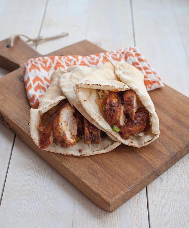 Wraps met kip tandoori en korianderchutney