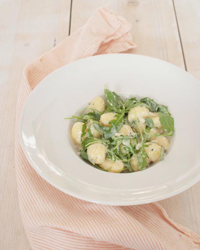 Zelfgemaakte gnocchi met gorgonzolasaus