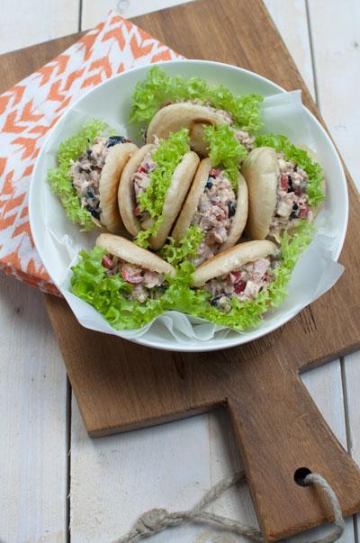 Marokkaanse panbroodjes met tonijnsalade