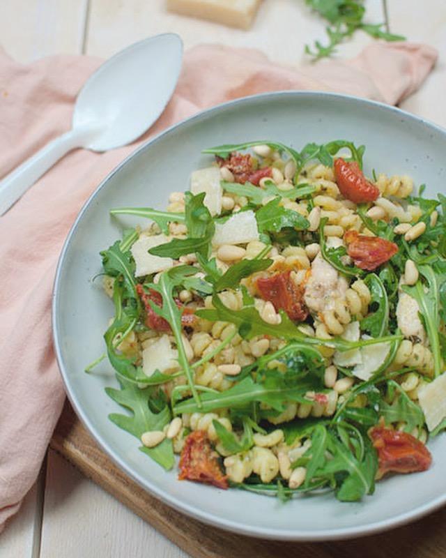 recept: pasta met kip en pestosaus - savory sweets
