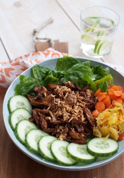 Salade met hete kip