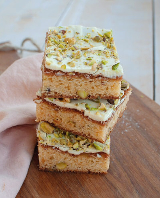 Blondies met witte chocola en pistachenoten