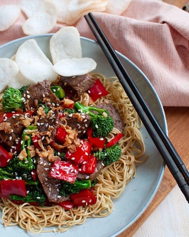 Aziatische biefstuk en broccoli