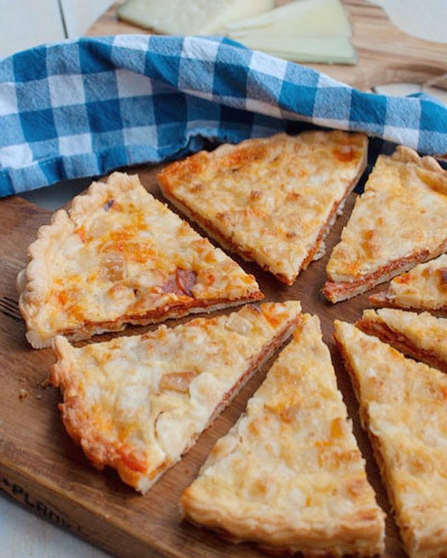 Spaanse quiche met chorizo en manchego