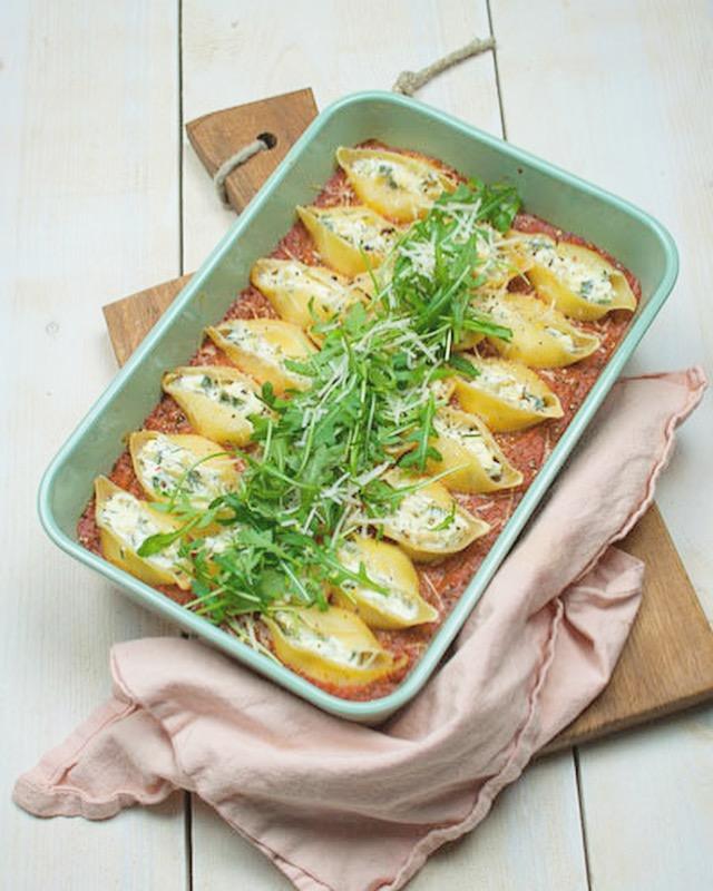 Gevulde pastaschelpen met ricotta en courgette