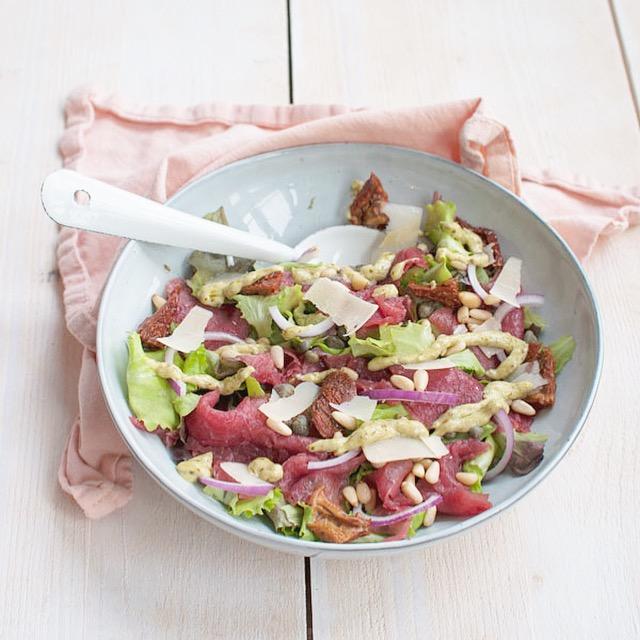 Carpaccio salade met pesto-mayonaise