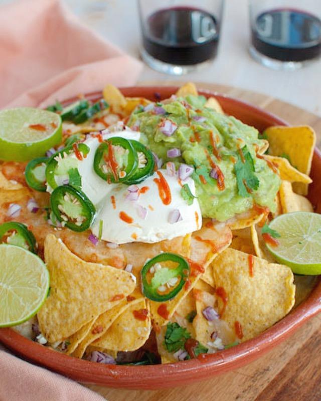 Top Recept: Nacho's uit de oven met guacamole en kaas - Savory Sweets &FI92