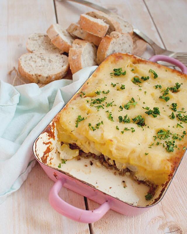 Ovenschotel met bloemkool en kaassaus