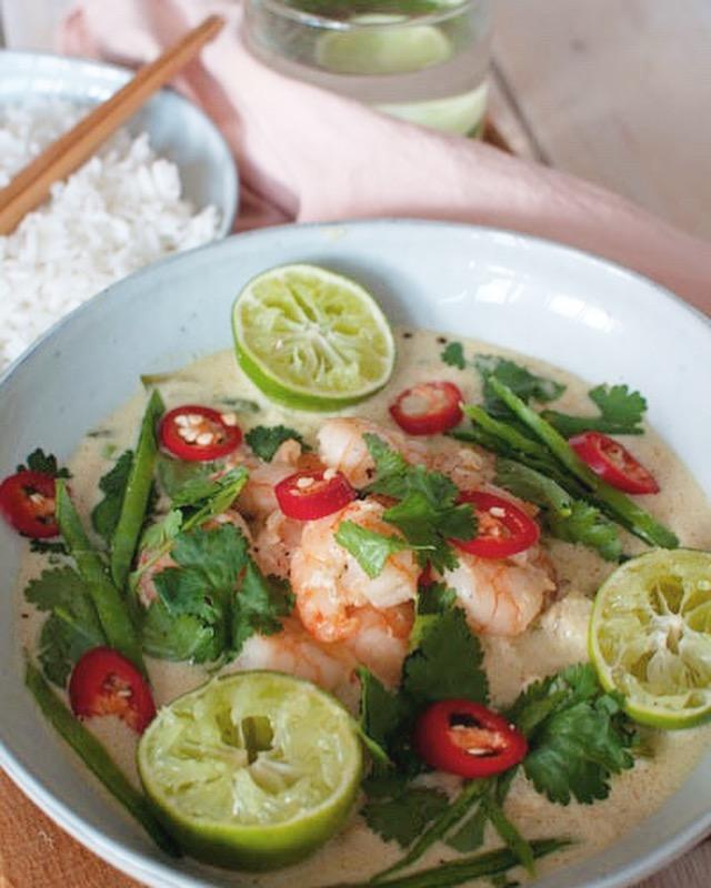 Thaise groene curry met kabeljauw en garnalen