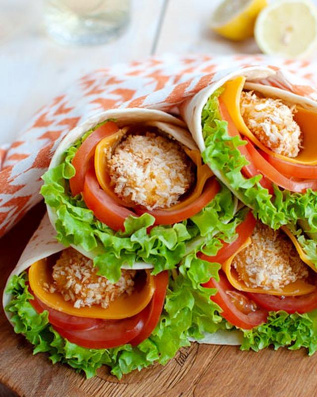 Wraps met krokante kip en chilisaus