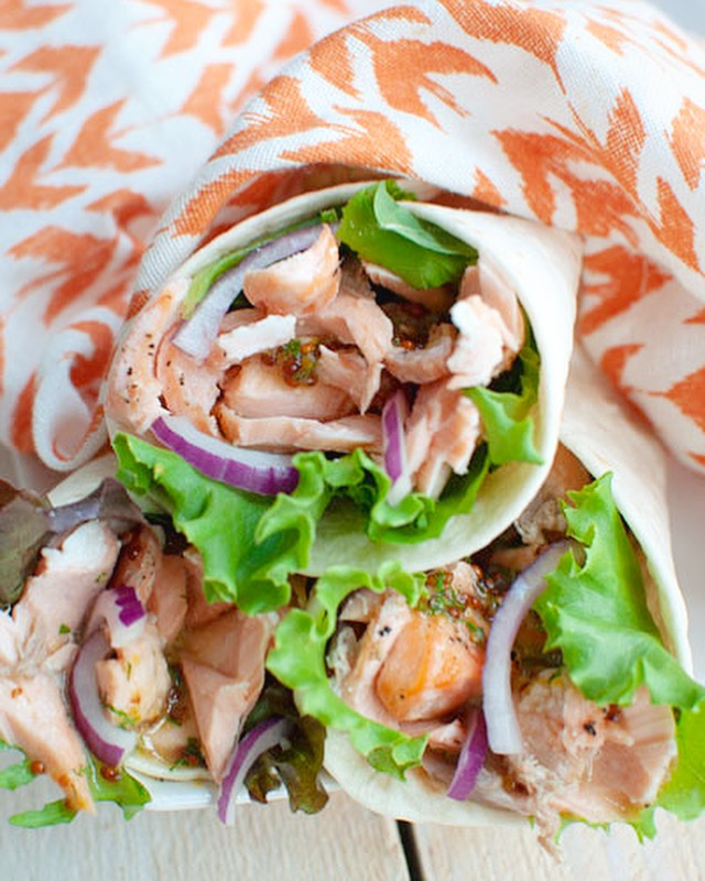 Wraps met pulled zalm