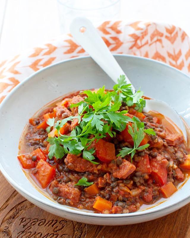 Linnzenstoof met chorizo en paprika