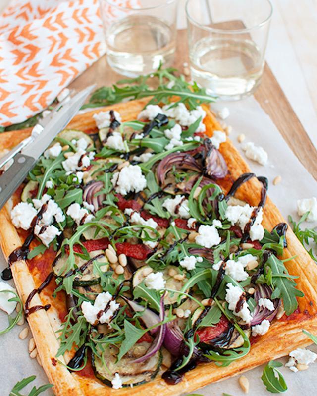 Plaattaart met gegrilde groenten en feta