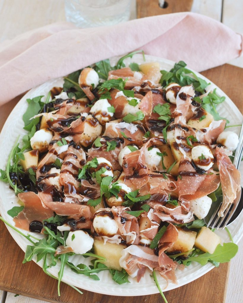 's Zomerse salade met meloen en ham